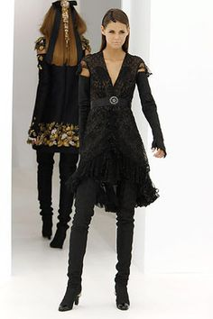 Chanel Haute Couture Dresses | Chanel Haute Couture Fall 2006 Lace Dress - Celebrities who wear, use ...