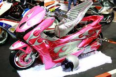 Zoom in (real dimensions: 800 x 533) Honda 125, 2013 Honda, Scooters, Maxi Scooter, T Max, Pinstriping, Supercars, Motorcycles, Japanese