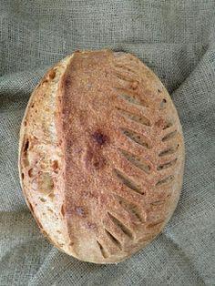 Jednoduchý kváskový chlieb Pie, Bread, Desserts, Food, Basket, Torte, Tailgate Desserts, Cake, Deserts