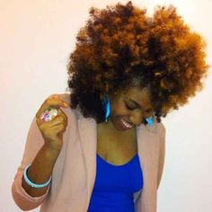 Curly Fro 20 Natural Hairstyles To Combat Summer Heat And Humidity Pelo Natural, Natural Hair Tips, Natural Hair Journey, Natural Hair Styles, Natural Beauty, Au Natural, Natural Curls, Black Power, Curly Fro
