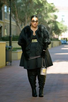 Faux Fur, Plus Size black outfit! Tomboy Outfits, Casual Outfits, Fashion Outfits, Fashion Boots, Winter Outfits Women, Winter Outfits For Work, Curvy Fashion, Plus Size Fashion, Garner Style