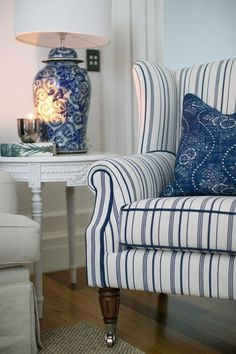 Interior Living Room Design Trends for 2019 - Interior Design Hamptons Living Room, Coastal Living Rooms, Home And Living, Living Room Decor, Hamptons Style Bedrooms, Hamptons Style Decor, Small Living, The Hamptons, Dining Room