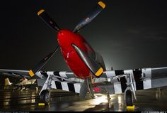 North American P-51D Mustang NL10601 / 73843/VF-G (cn 122-40382) Red!
