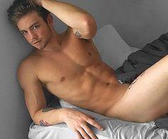 Dustin mcneer nackt