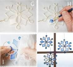 these are really pretty! they are made using string dipped into glue, the middle parts are made using glue (that dries clear) mixed with paint. Christmas Bazaar Crafts, Christmas Ornaments To Make, Christmas Projects, Kids Christmas, Holiday Crafts, Wax Paper Crafts, Glue Gun Crafts, Diy Crafts, Snowman Crafts