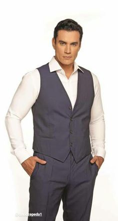 David Zepeda, Vest, Jackets, Dresses, Fashion, Down Jackets, Gowns, Moda, La Mode
