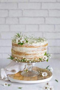 Natural Wedding Cake    Simple Wedding Cake    Romantismo