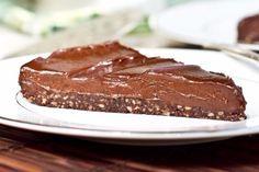 Deze suikerarme en glutenvrije chocoladetaart hoeft niet in de oven en is heerlijk!
