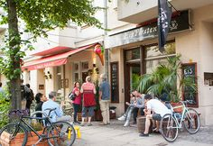 #Germany, #Berlin & the 'Kiez' #Friedrichshain: If you spot a super long queue in front of an #ice cream parlour you've come to the right place! #Eispiraten in Friedrichshain has a huge selection of #flavours.