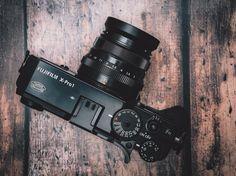 Als ich kürzlich von einem sich ankündigenden, neuen 35mm für das Fujifilm x-Mount gelesen hatte, war ich etwas überrascht. Ich habe mit dem Erwerb meiner x-pro1 im Frühjahr 2012 das Fujinon xf35mm f1.4 gleich dem Einkaufsbeutel mit hinzugefügt und es bis heute nicht bereut. Ich dachte denke nicht, dass man dieses ohnehin schon tolle Objektiv