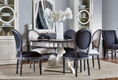Home Sweet Home: Accent Black and White | ZsaZsa Bellagio - Like No Other