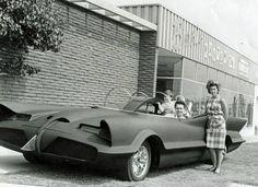 GEORGE BARRIS converted the Lincoln Futura into BATMAN