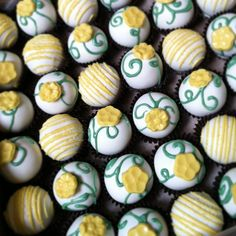 Cake baller cake balls. A #dainty #vine and #yellow #flowers #order. #graduationparty #somethingdifferent #congratulations www.thecakeballers.com #thecakeballers #cakeballers #cakeballer #yellow #boiseballers