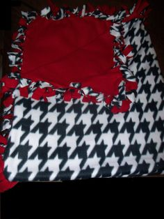Houndstooth No Sew Blanket 60x72 by NoogaKnots on Etsy, $35.99