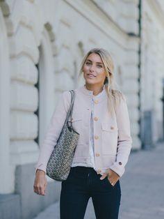 Blogger Sanne Alexandra wearing Kruger Jacket pink from the Spring/Summer 17 collection. Find it here: http://bit.ly/krugerjacket-pink