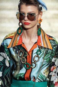 Dolce & Gabbana Spring 2020 Ready-to-Wear Fashion Show - Vogue Dolce & Gabbana, Men's Underwear, Dior, Summer Sunglasses, Sunglasses Women, White Sunglasses, Trending Sunglasses, Fashion 2020, Fashion Show