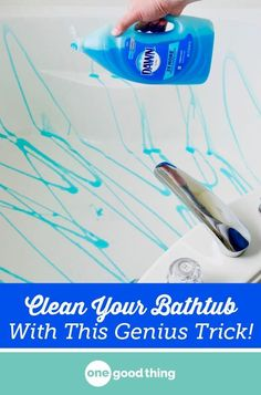 14 Clever Deep Cleaning Tips & Tricks Every Clean Freak Needs To Know Household Cleaning Tips, Deep Cleaning Tips, Toilet Cleaning, House Cleaning Tips, Natural Cleaning Products, Cleaning Solutions, Spring Cleaning, Cleaning A Bathtub, Bathroom Cleaning Hacks