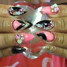 #nails #nailart #nailaddict #notpolish #notgel #acrylic #acrylicnails #almasculpturednails #nailsbyalma #inm #inmnails #hotnails #prettynails #coolnails