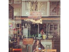 "Check out this travel story I found using CityMaps2Go: ""Mana Mana Amsterdam: the best vegetarian restaurant in town?"""