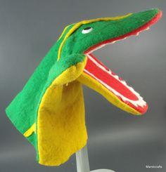 Felt Crocodile Alligator Hand Puppet Green Yellow Germany 9 no tags Vintage Fun Felt Puppets, Hand Puppets, Finger Puppets, Puppet Patterns, Quiet Book Patterns, Nursery Rhyme Characters, Felt Quiet Books, Vintage Tags, Nursery Rhymes
