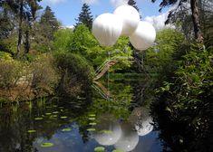 Pont de Singe helium balloon bridge by Olivier Grossetête