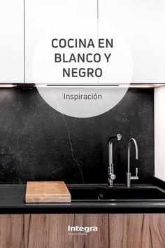 Social, Mirror, Home Decor, Black And White, Beautiful Kitchens, White Kitchens, Home Accessories, Mistress, Decks