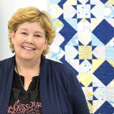Make a Dandy Stars Quilt with Jenny Doan of Missouri Star Quilt Company! Jenny Doan Tutorials, Msqc Tutorials, Quilting Tutorials, Quilting Projects, Baby Quilt Size, Baby Quilts, Patch Quilt, Quilt Blocks, Layer Cake Patterns