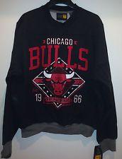 CHICAGO BULLS Game Day Crewneck Sweatshirt - BULLS Crewneck Fleece Sweatshirt