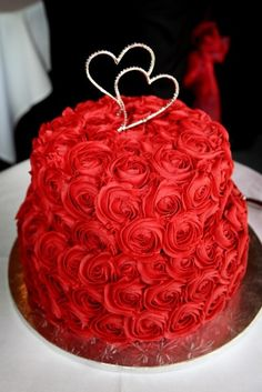 20 Elegant Ways To Use Red Roses In Your Wedding