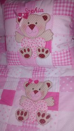 Almofada em patchwork personalizada R$ 75,00