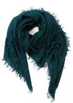 Schal Chiara von Faliero Sarti bei nobananas mode #nobananas #falierosarti #cashmere #scarf #silk #nice #green #winter #follow nobananas.de/shop