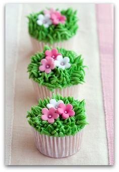 Cute Cupcakes  Cupcake Decorating Ideas - Flower Cupcakes