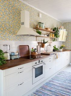 Old Houses, Kitchens, Sweet Home, New Homes, Kitchen Cabinets, Cottage, Interior Design, Future, House Styles