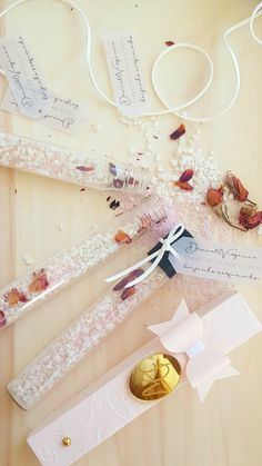 Gift Wrapping, Gifts, Bath Salts, Paper Wrapping, Presents, Wrapping Gifts, Gifs, Gift Packaging, Favors