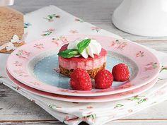 Frambuazlı Mini Cheesecake Tarifi - Lezzet Panna Cotta, Muffin, Strawberry, Fruit, Ethnic Recipes, Food, Dulce De Leche, Essen, Muffins