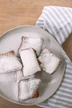cafe du monde beignets recipe Beignet Recipe, New Orleans Recipes, Best Chocolate Chip Cookies Recipe, Cheesy Recipes, Tasty, Yummy Food, Instant Yeast, Beignets, Baked Goods