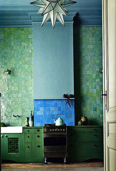 Square green tile Color Trend Emerald and Teal Room Decor 13