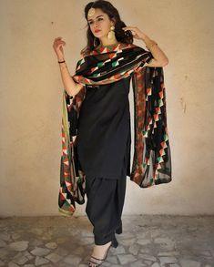 Jannat Zubair, Avneet Kaur, Arishfa khan: Who wore designer suits better? Patiala Suit Designs, Kurti Designs Party Wear, Punjabi Girls, Punjabi Dress, Lehnga Dress, Dress Indian Style, Indian Outfits, Indian Attire, Punjabi Fashion
