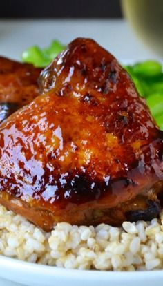Honey Balsamic Baked Chicken Thighs Recipe Honey Balsamic Baked Chicken Thighs Recipe Preheat your oven for sweet and tangy baked chicken . Turkey Recipes, Meat Recipes, Cooking Recipes, I Love Food, Good Food, Yummy Food, Tasty, Baked Chicken, Gastronomia
