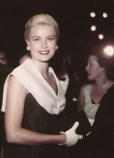 Grace Kelly,a fairytale´s princess. Vintage Hollywood, Classic Hollywood, Hollywood Actresses, Actors & Actresses, Princesa Grace Kelly, Divas, Grace Kelly Style, Lonely Heart, Amazing Grace