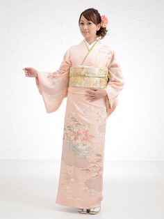 ...'Cause one can never get *really* tired of soft-pink kimono. ;)