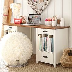 FINALLY A ROOM WITH CARPET I LOVE THE WHITE AND WOOD TOGETHER!!!  Chatham Large Pedestal Desk + Hutch #pbteen