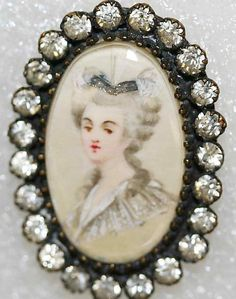French Button With Miniature Portrait  c.18th-19th Century