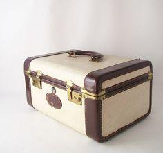 vintage train case retro travel gear fashion by RecycleBuyVintage. $80.00 USD, via Etsy.