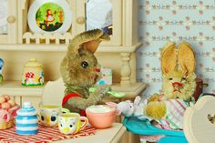 Toy Sunday Theme: Food Baby bunny is not too interested in the new yoghurt Mommy bunny has for her to try. Baby Bunnies, Bunny, Vintage Easter, Toys Photography, Vintage Decor, Baby Food Recipes, Kitsch, Eat, Children
