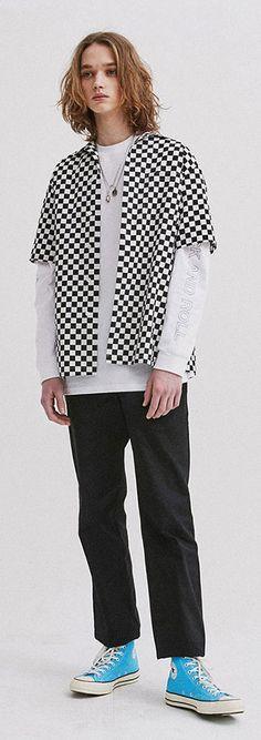 체커보드패턴 반팔셔츠. 아우터처럼 활용해도 좋아요. Model: 188cm / 67kg / L size