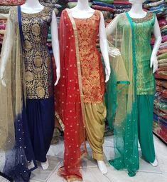 Pin by atif on Pakistani dresses in 2019 Salwar Designs, Kurti Neck Designs, Kurti Designs Party Wear, Blouse Designs, Dress Designs, Red Lehenga, Lehenga Choli, Anarkali, Bridal Lehenga