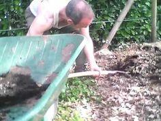 Potager en permaculture pas à pas préparation du sol partie 1/2 - YouTube