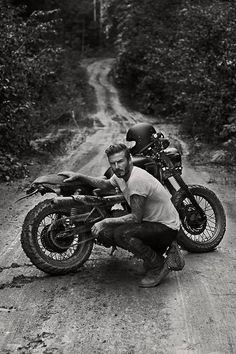 David Beckham, soccer/football Athlete, getting dirty with his Triumph Scrambler. [ more photos for the ladies ]