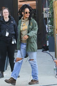 Rihanna ∞ — May 4: Rihanna on set of 'Ocean's Eight' in NYC